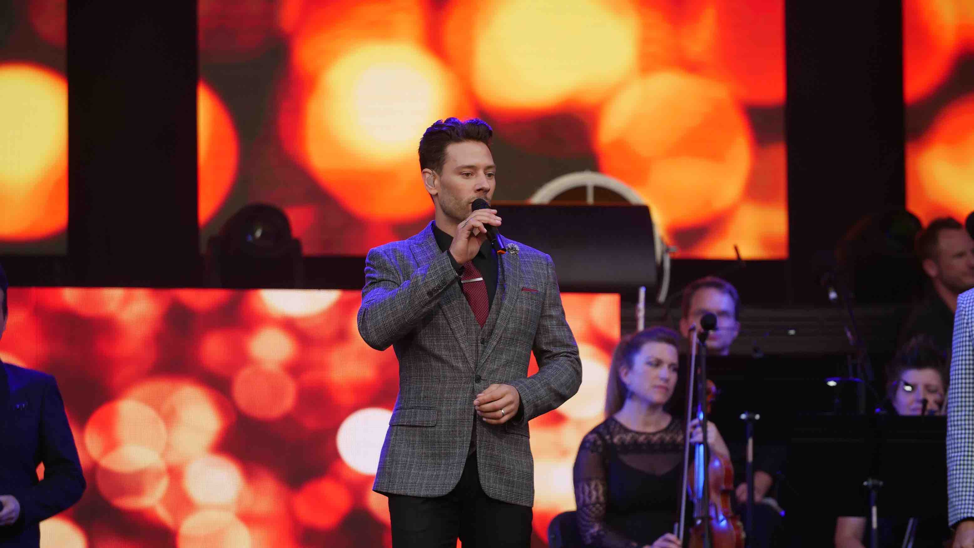 Pictures il divo at scarborough open air theatre - Il divo netflix ...